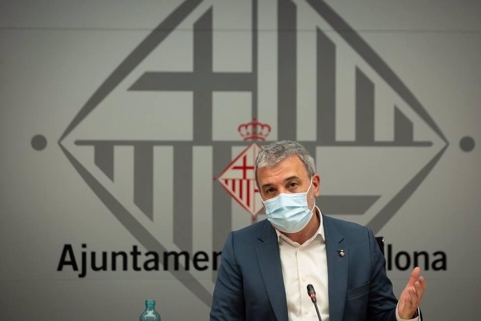 Collboni advierte de que las imágenes de botellones en Barcelona no son admisibles