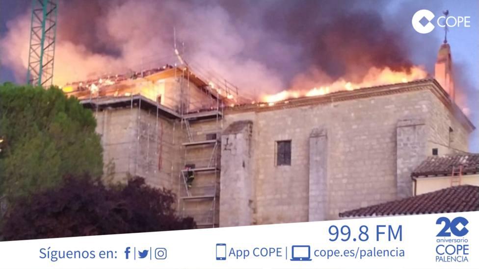 Aparatoso incendio en el Monasterio de Nuestra Señora de Alconada de Ampudia