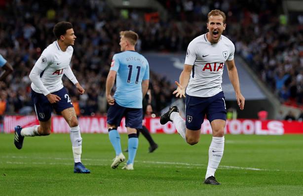 Kane celebra el gol del Tottenham (Reuters)