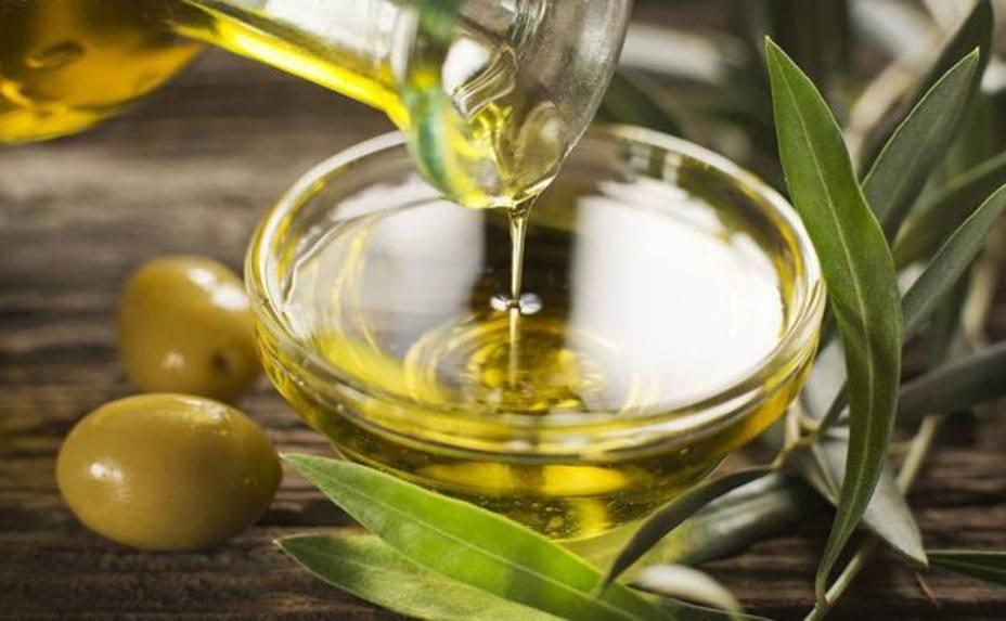 ¿Son igual de sanos un aceite de oliva virgen y uno virgen extra?