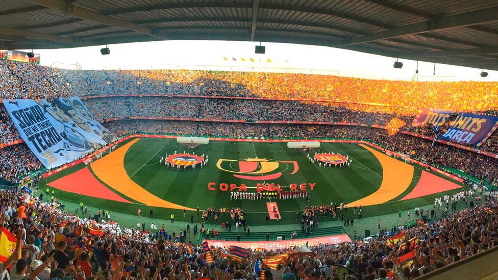 Panorámica del Benito Villamarín en los prolegómenos de la final de Copa (@HugoBallester)