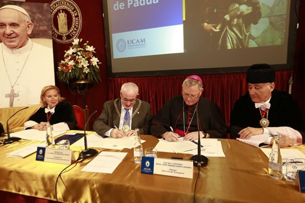 La UCAM crea la primera Orden universitaria del mundo