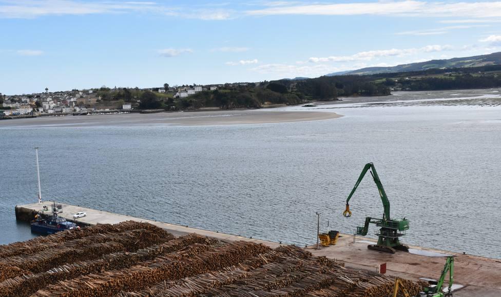 Ría de Ribadeo, con Asturias en el horizonte