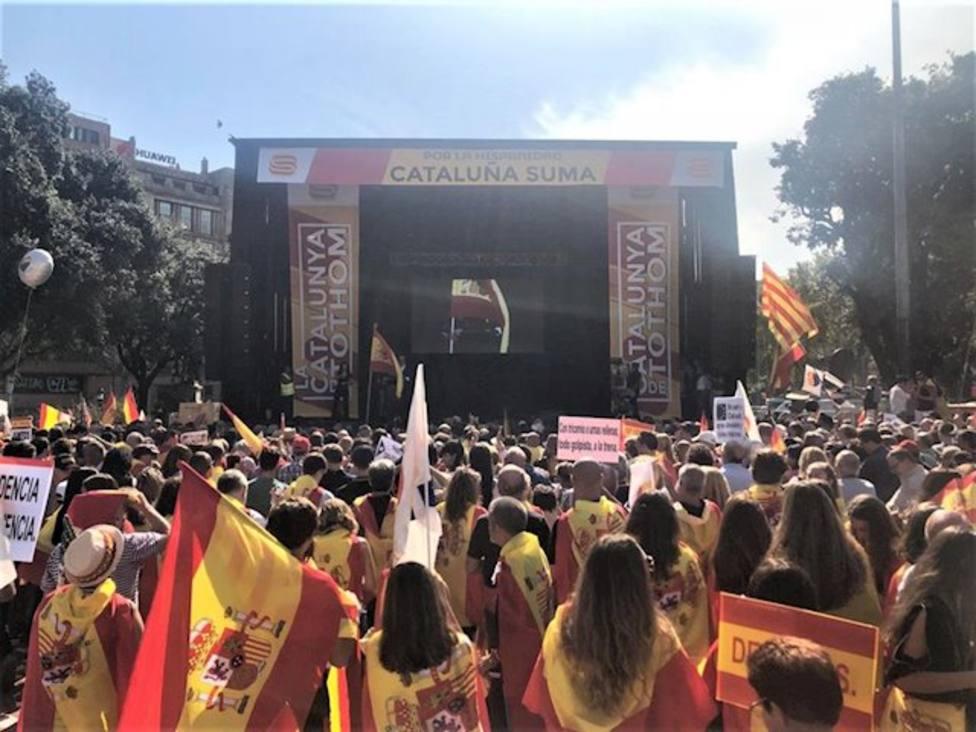 Manifestación en Barcelona por el 12 de Octubre y la Hispanidad, organizada por Cataluña Suma y Espanya i Cata