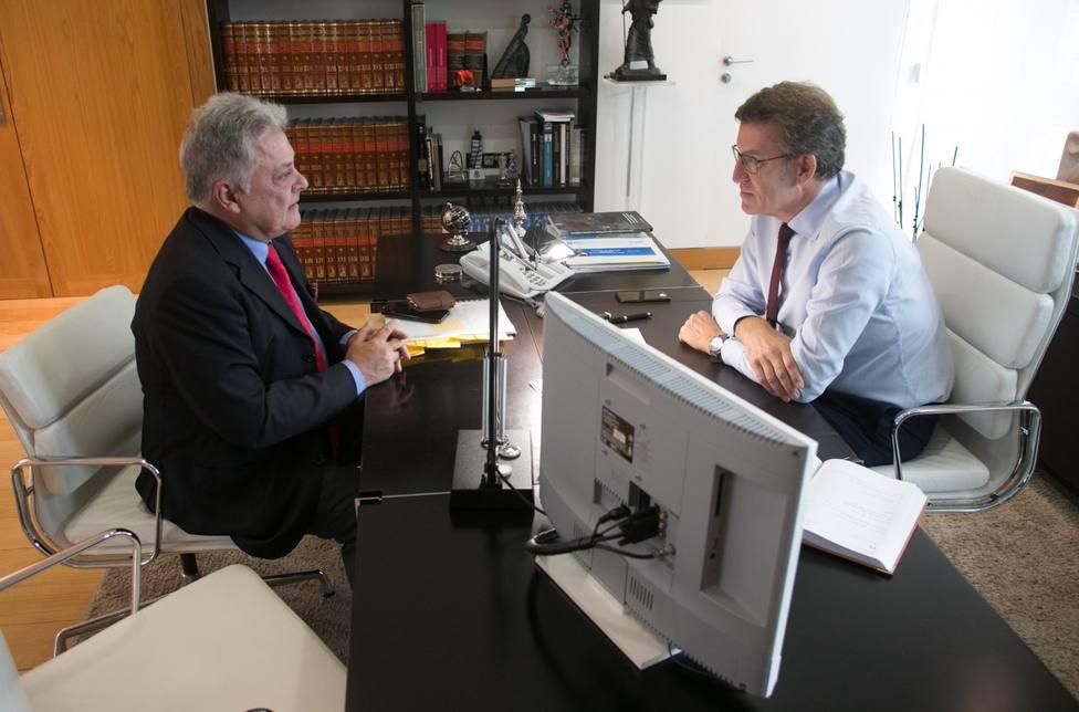 El alcalde de Quiroga se reúne con Feijóo para impulsar la denominación de origen para el aceite