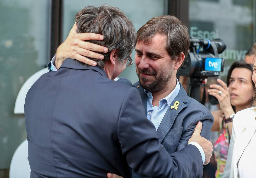 Puigdemont y Comín recibirán casi 70.000 euros de la Eurocámara por salarios atrasados