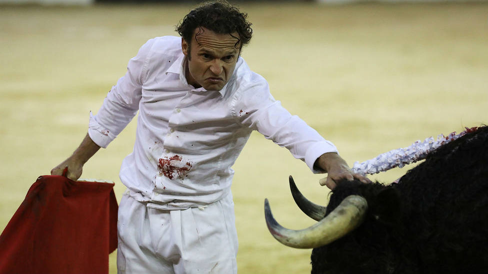 Antonio Ferrera lidió sin traje de luces al segundo toro de su lote en Bogotá