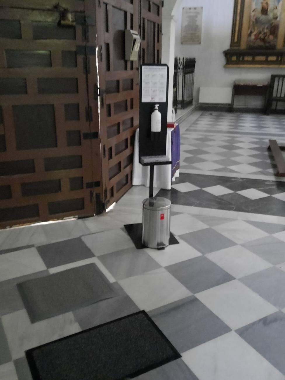 SUMINISTROS MERAYA- Trasmite confianza a tus clientes con la estación de higiene manual
