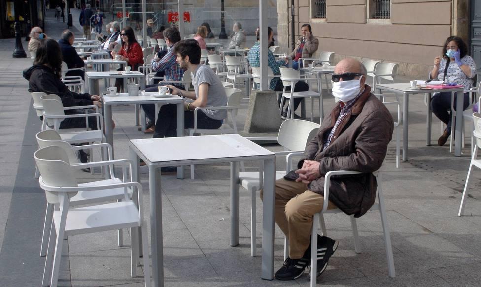 Encuentran coronavirus infectivos en el aire a casi cinco metros de un enfermo