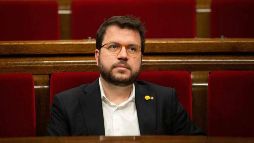 Aragonès pide a Montero que se deje de excusas y dé fecha para la mesa de diálogo