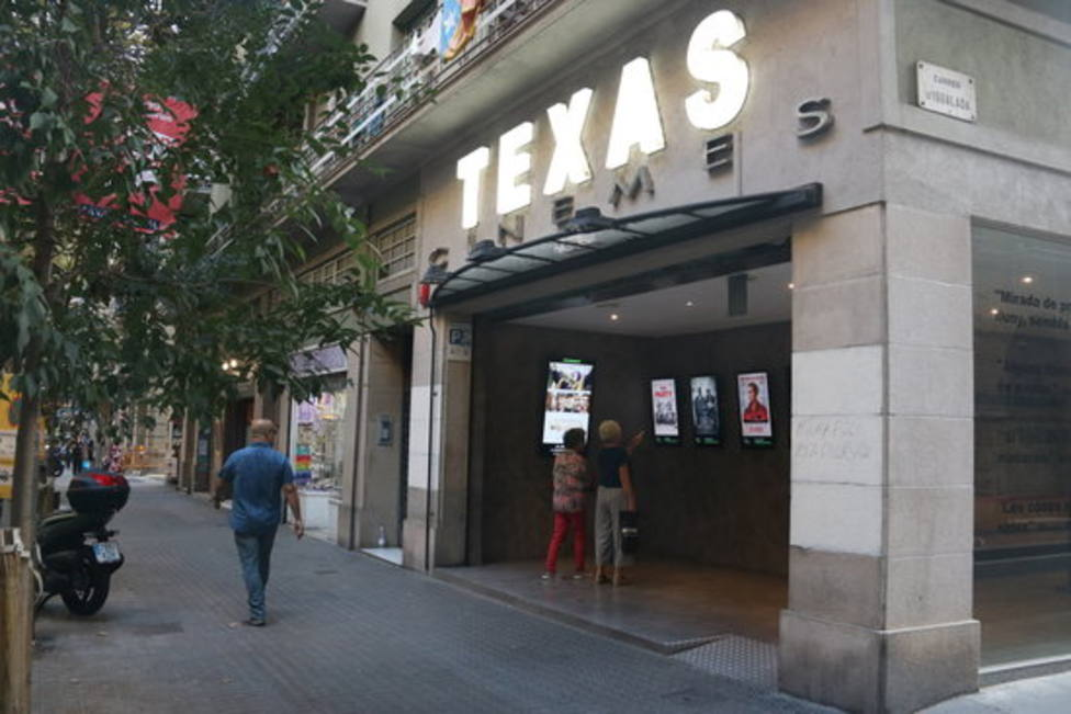 Exterior de los Cines Texas, Barcelona