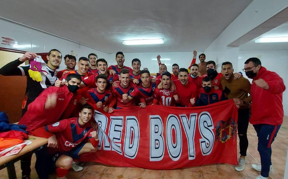 El Mazarrón FC sorprende al Racing Murcia y gana 1-0