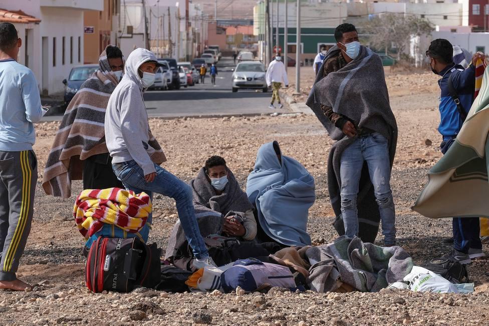 Siete positivos en covid-19 en el campamento de inmigrantes de El Matorral
