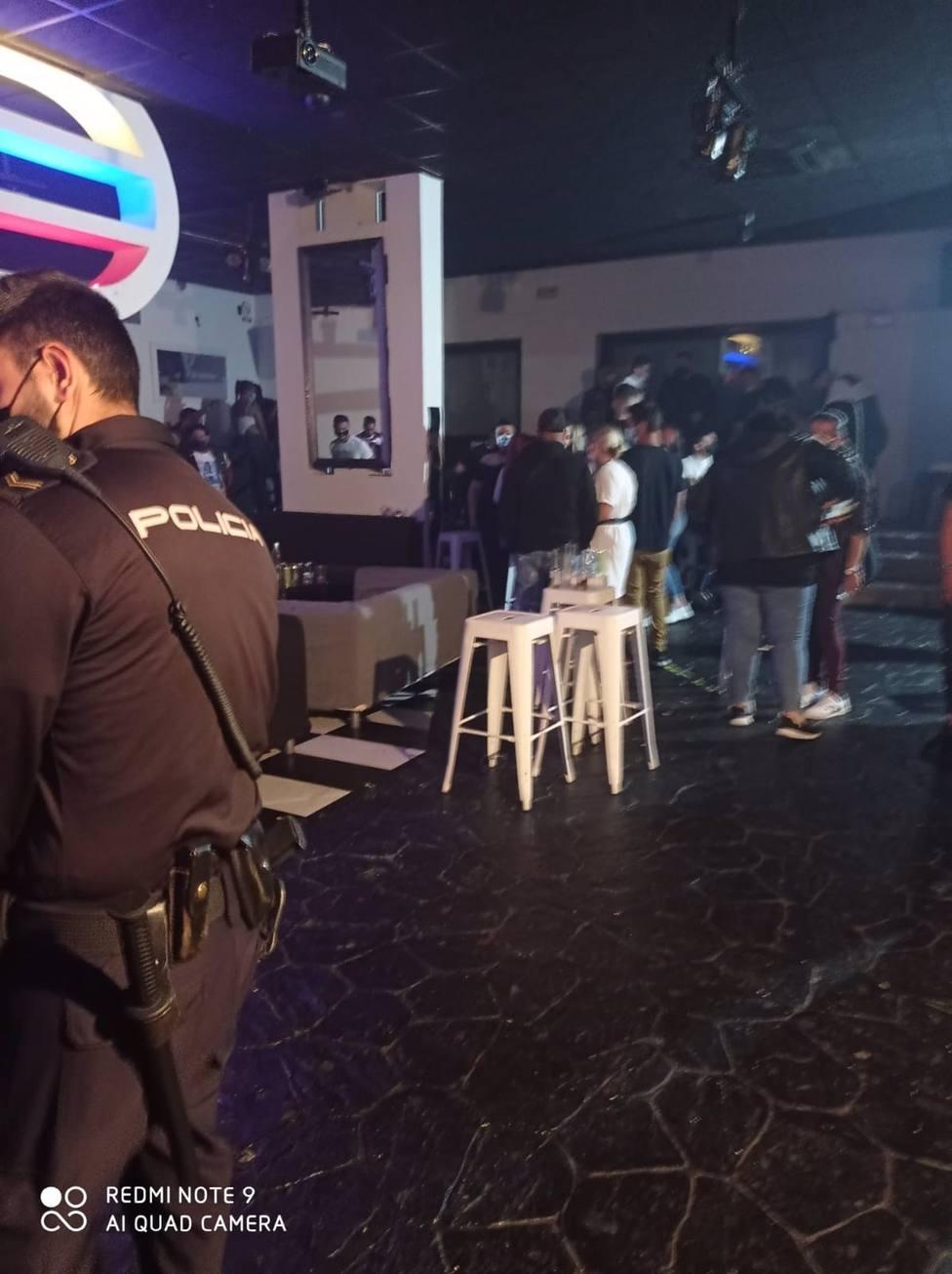 """El primer fin de semana de la """"No Feria"""" se cierra con desalojo de un pub, precinto de bares y botellonas"""