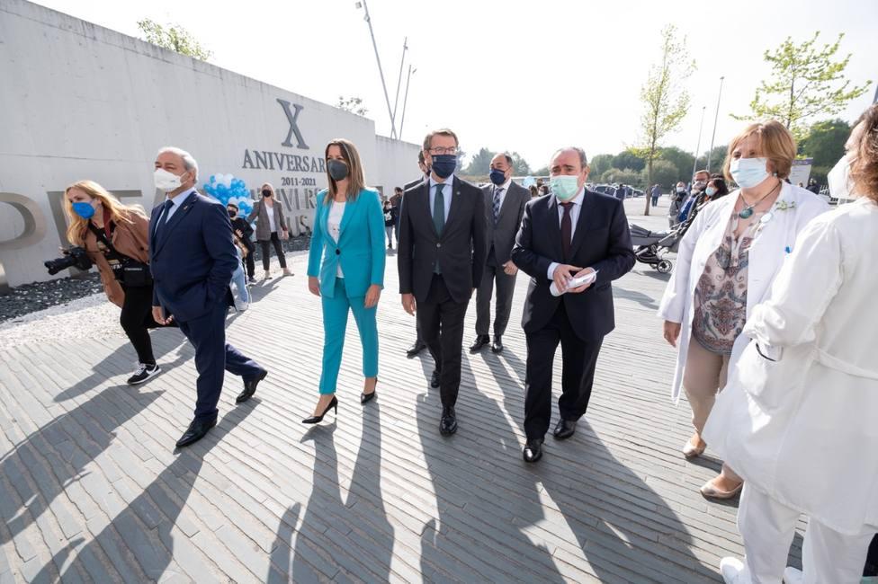 El presidente de la Xunta participó en los actos con motivo del X aniversario de la apertura del HULA