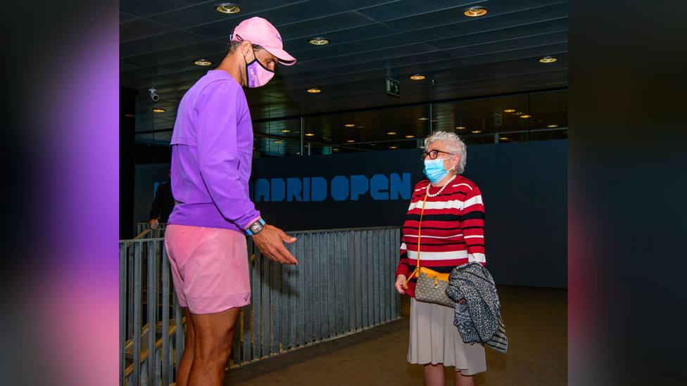 Manuela, de 95 años, conoce en persona a su ídolo Rafa Nadal, en el Mutua Madrid Open
