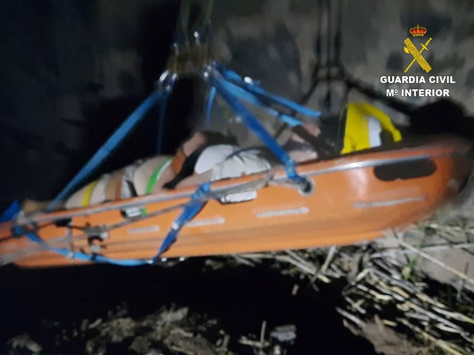 Hospitalizada tras sufrir una caída de noche en un barranco de Agüimes