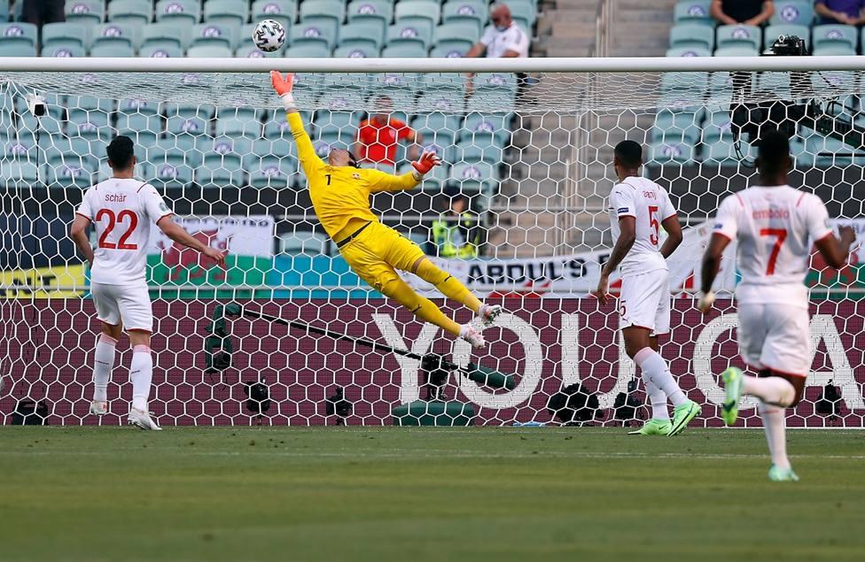 Paradón de Sommer para evitar el gol de Gales (EFE)