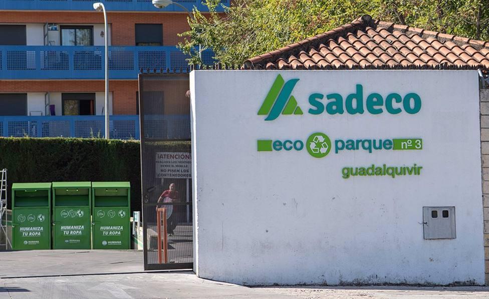 Sadeco refuerza los servicios de recogida e inspección en la periferia ante el incremento de cordobeses