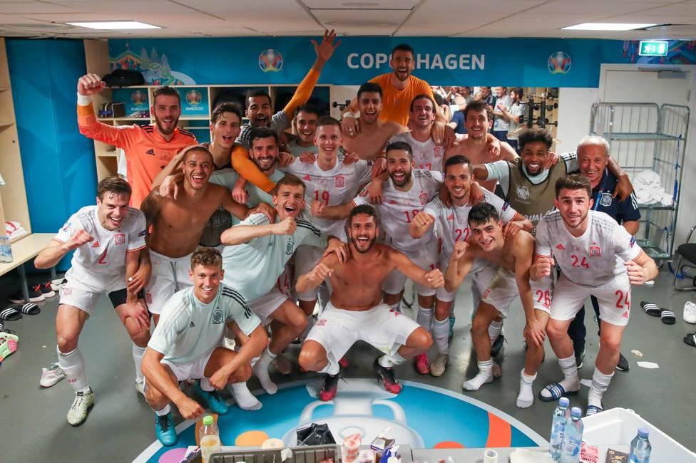 La Selección Española celebra el pase a cuartos de final en la Eurocopa (@sefutbol)
