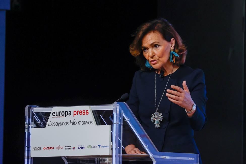 Desayuno informativo con la vicepresidenta primera, Carmen Calvo