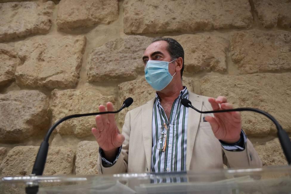 Los puestos del mercadillo de La Ladera afectados por las obras de Agrupación Córdoba vuelven a su espacio