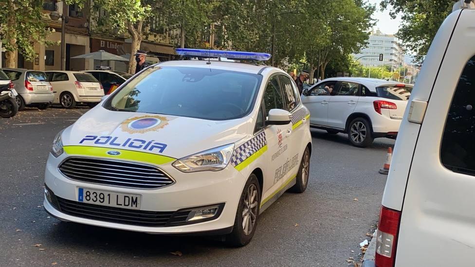 La Policía Local se suma a la campaña impulsada por la DGT para la prevención de distracciones al volante