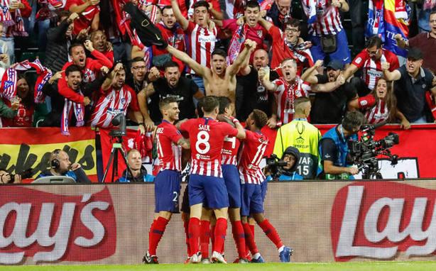 Los jugadores del Atlético celebrando un gol en la Supercopa de Europa