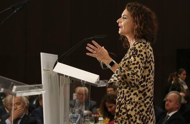 (Ampl) Montero trabaja intensamente en los PGE y confía en que el Congreso los apruebe en febrero