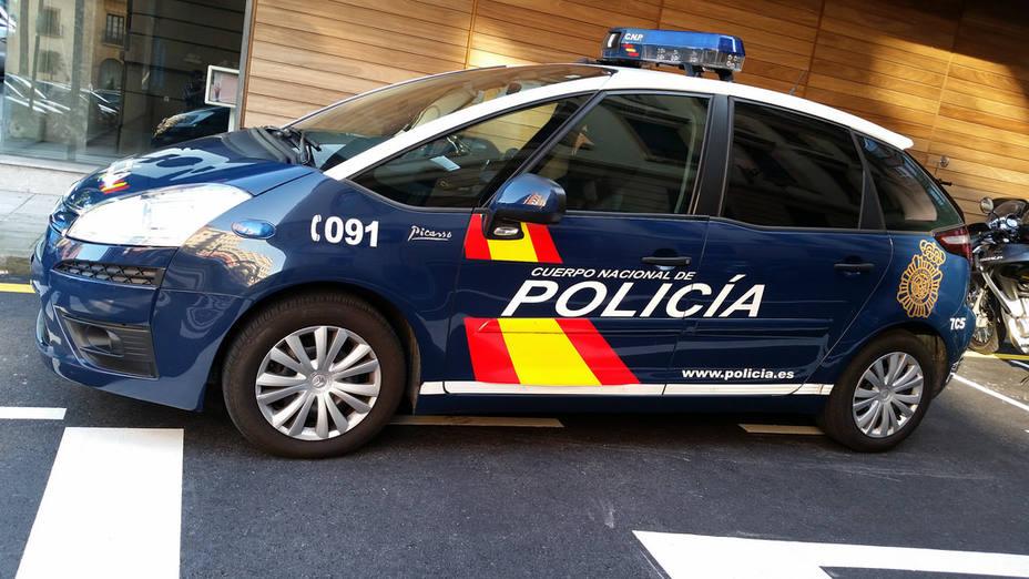 Coche de policía en imagen de archivo