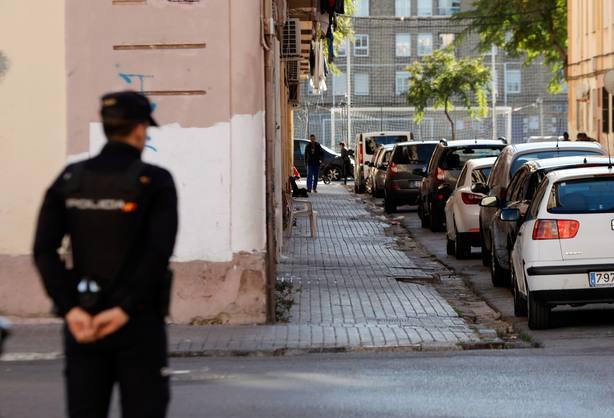 Detienen a un maltratador que acedia a la vivienda de su víctima trepando por las paredes