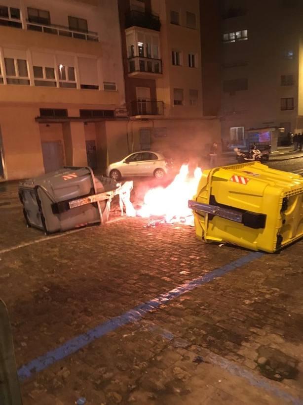 Dos detenidos en Cádiz acusados de desórdenes públicos y atentado contra agentes en la manifestación contra Vox