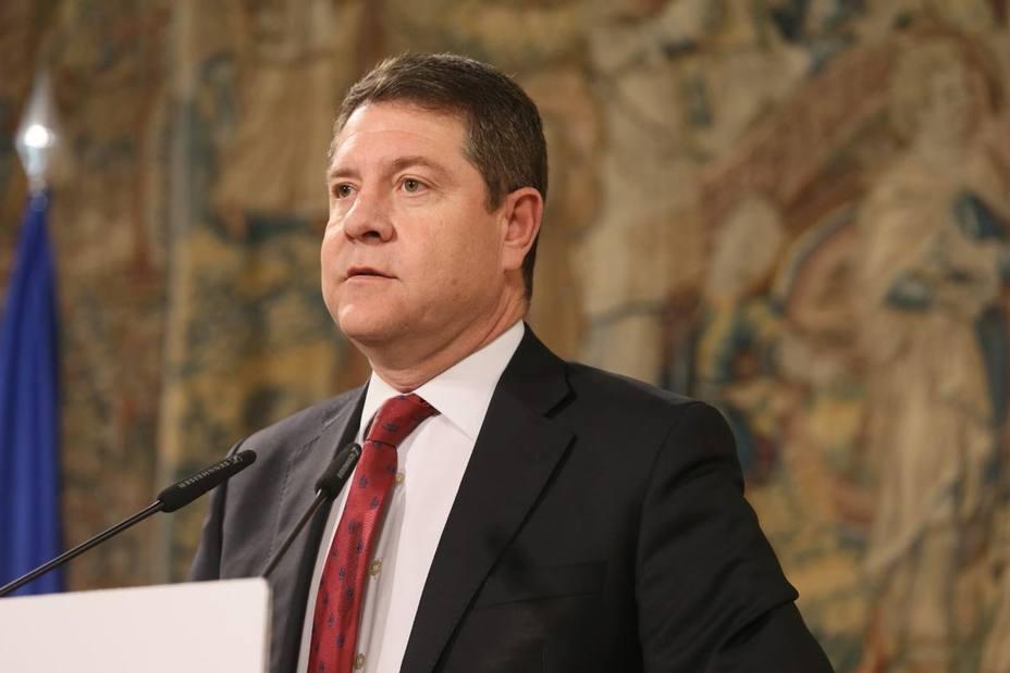 García-Page advierte al PP que una moción de censura no puede servir de globo sonda: Si tiene coraje que la presente