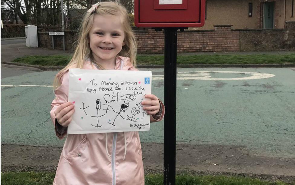 La conmovedora carta de una niña de 4 años a su madre fallecida que obtuvo respuesta