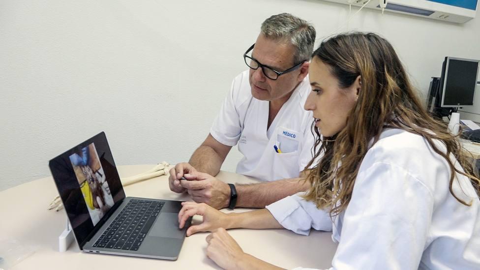 Investigadores españoles diseñan una prótesis para un hueso de la muñeca que causa más de 500 fracturas al año