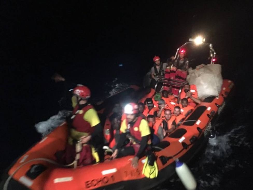 El Open Arms rescata a 39 personas más en el Mediterráneo