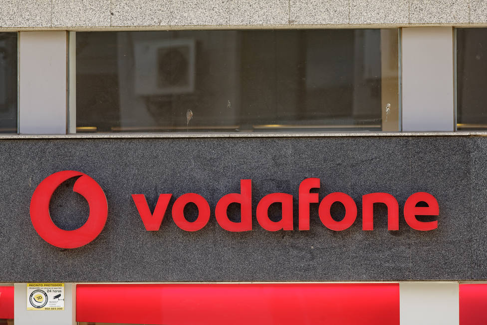 Vodafone devuelve 900 euros a un usuario por cobrarle cuotas superiores a las contratadas durante 13 meses