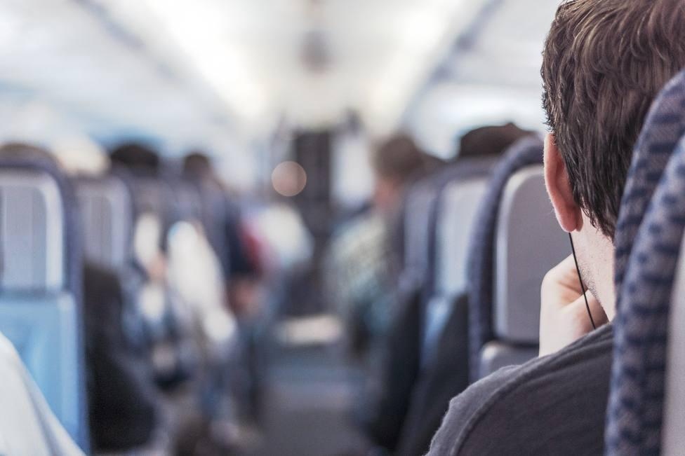 ¿Qué dice el BOE sobre las medidas de distanciamiento que hay que tomar en un avión?