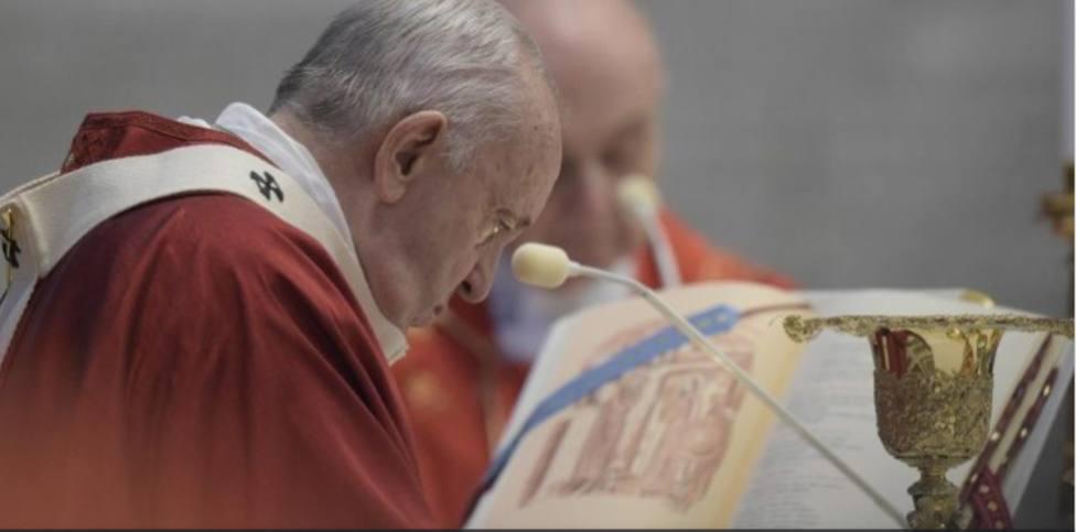 El Papa recuerda en la misa de los Santos Pedro y Pablo que Dios nos pide que construyamos unidad
