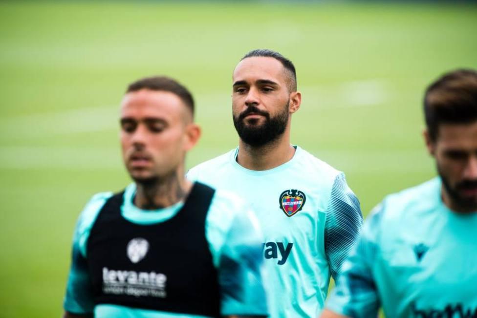 Roberto Jiménez completa la portería del Valladolid; Andrés Fernández firma tres años con el Huesca