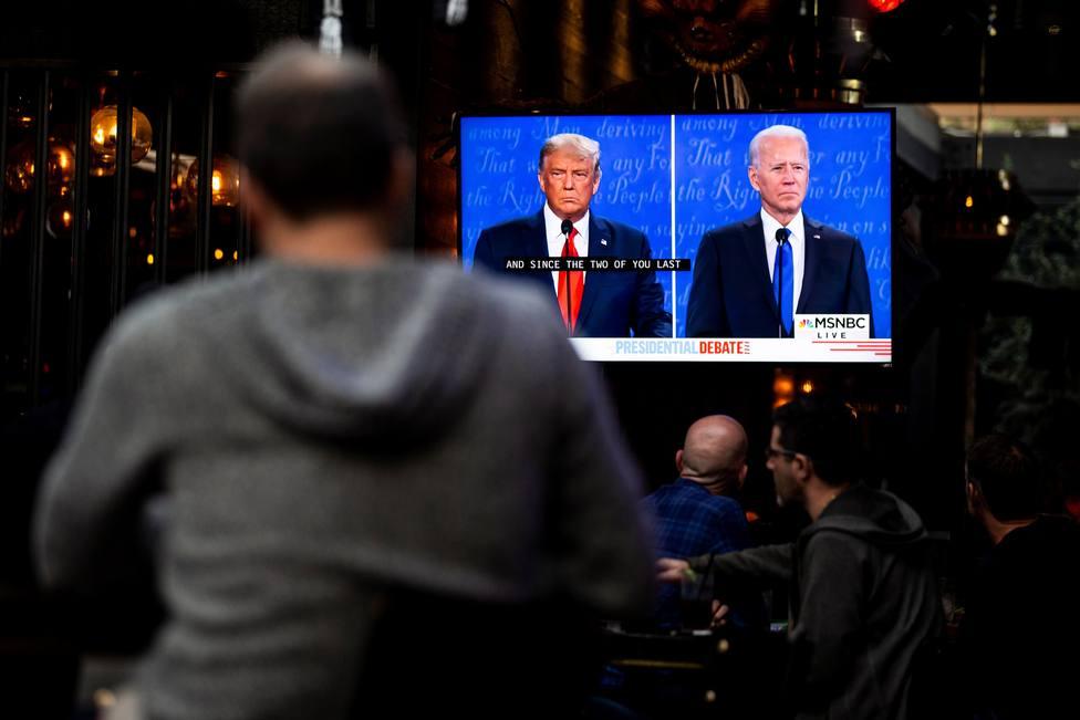 Biden y Trump se acusan mutuamente de recibir dinero de gobiernos extranjeros