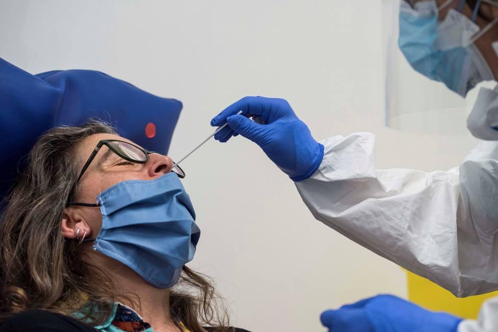 Trece fallecidos y 702 nuevos contagios en la Región
