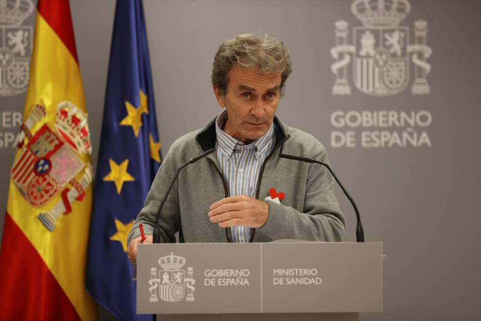 Fernando Simón responde a los médicos que piden su marcha: No voy a bajarme del barco