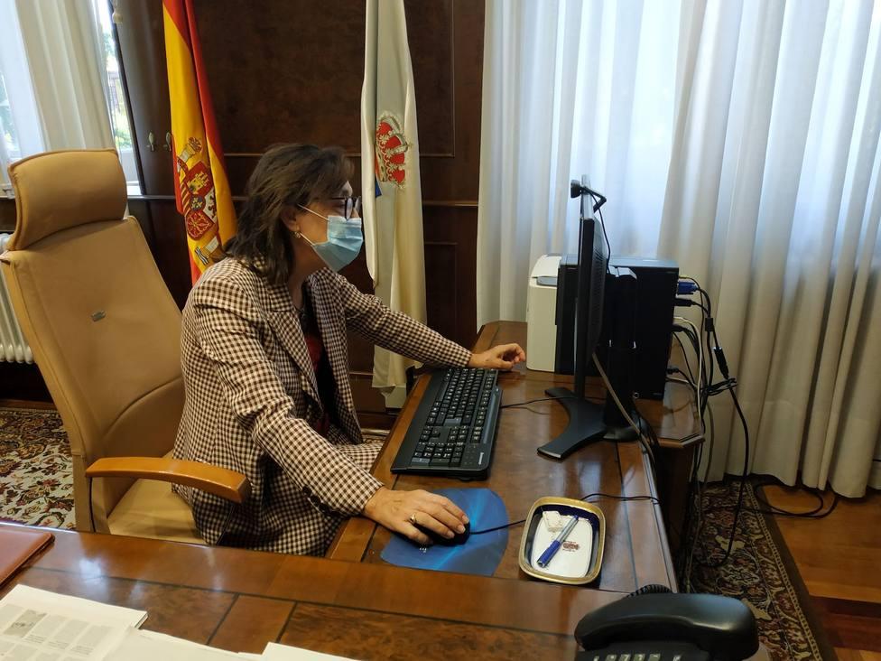 La subdelegada del Gobierno en Pontevedra, Maica Larriba, en su despacho