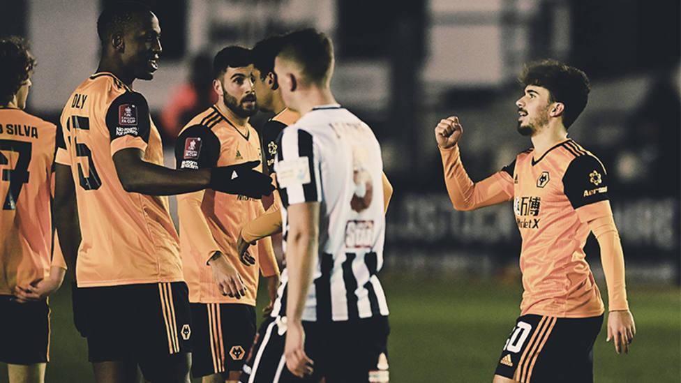 El Wolverhampton acaba con el sueño del Chorley