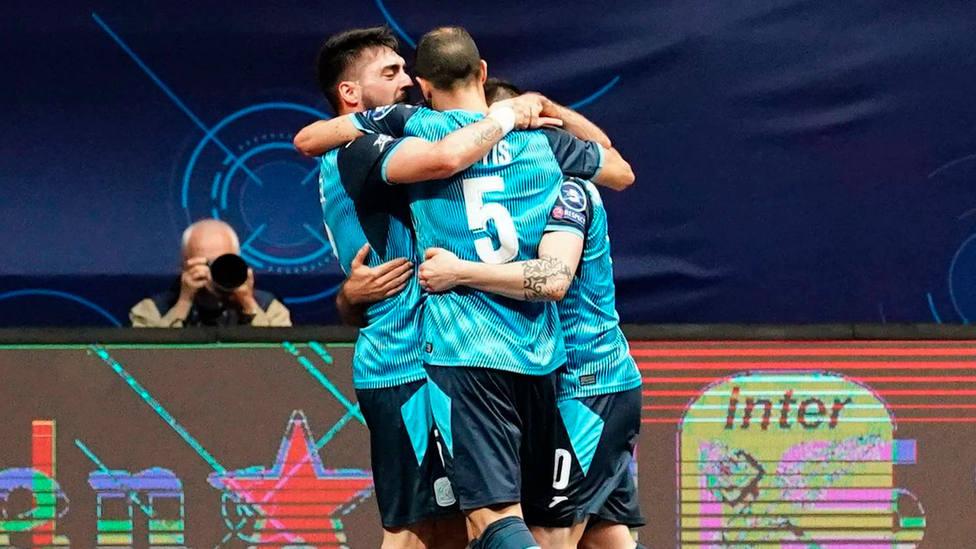 Movistar Inter celebra uno de los tres goles marcado al Ugra en cuartos de final de la Champions League