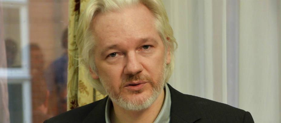 El ex jefe de campaña de Trump niega haberse reunido con Assange