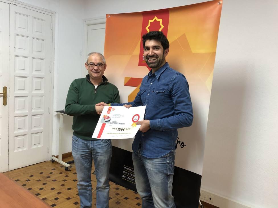 Javier Lizaga gana el primer concurso de relato breve del CCA de Teruel