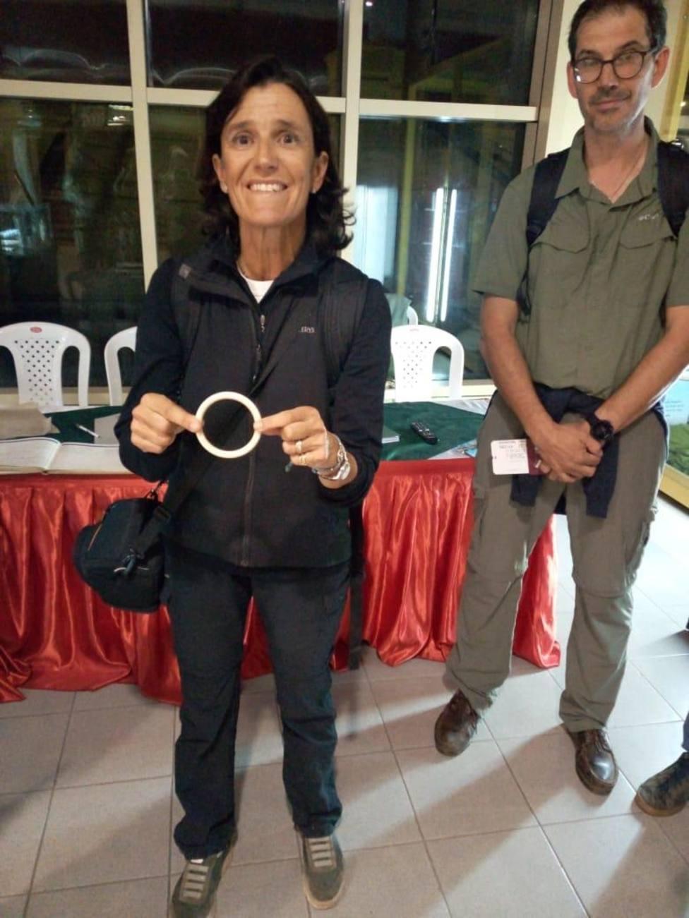 En libertad tras pagar una multa la española detenida en Kenia con una pulsera de marfil