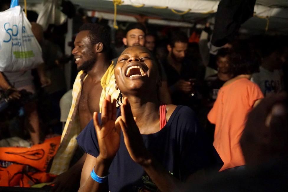 El Audaz traerá a 15 de los inmigrantes que viajaban en el Open Arms a España